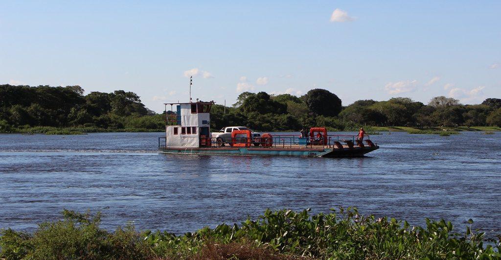Pantanal - Fähre über den Rio Paraguay
