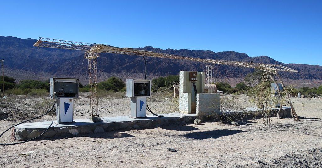 Valle Calchaquies - Tankstelle mitten im Nichts