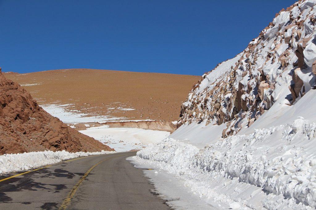 Paso Jama - Schneemengen auf dem Pass :)