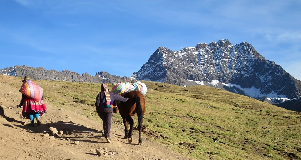 Wanderung zum Rainbow Mountain