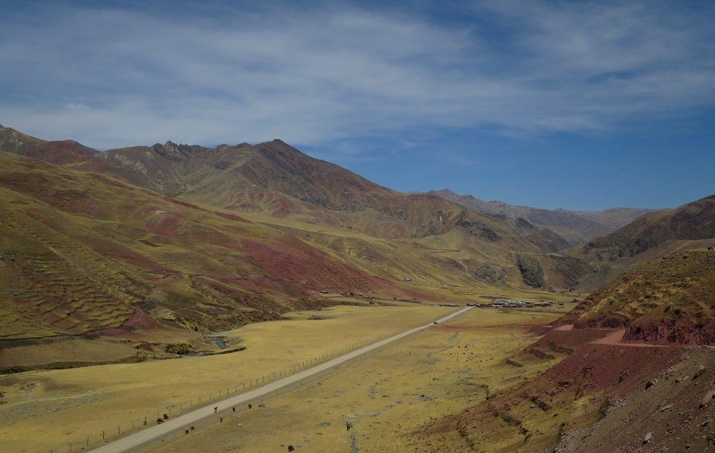 Fahrt zum Rainbow Mountain